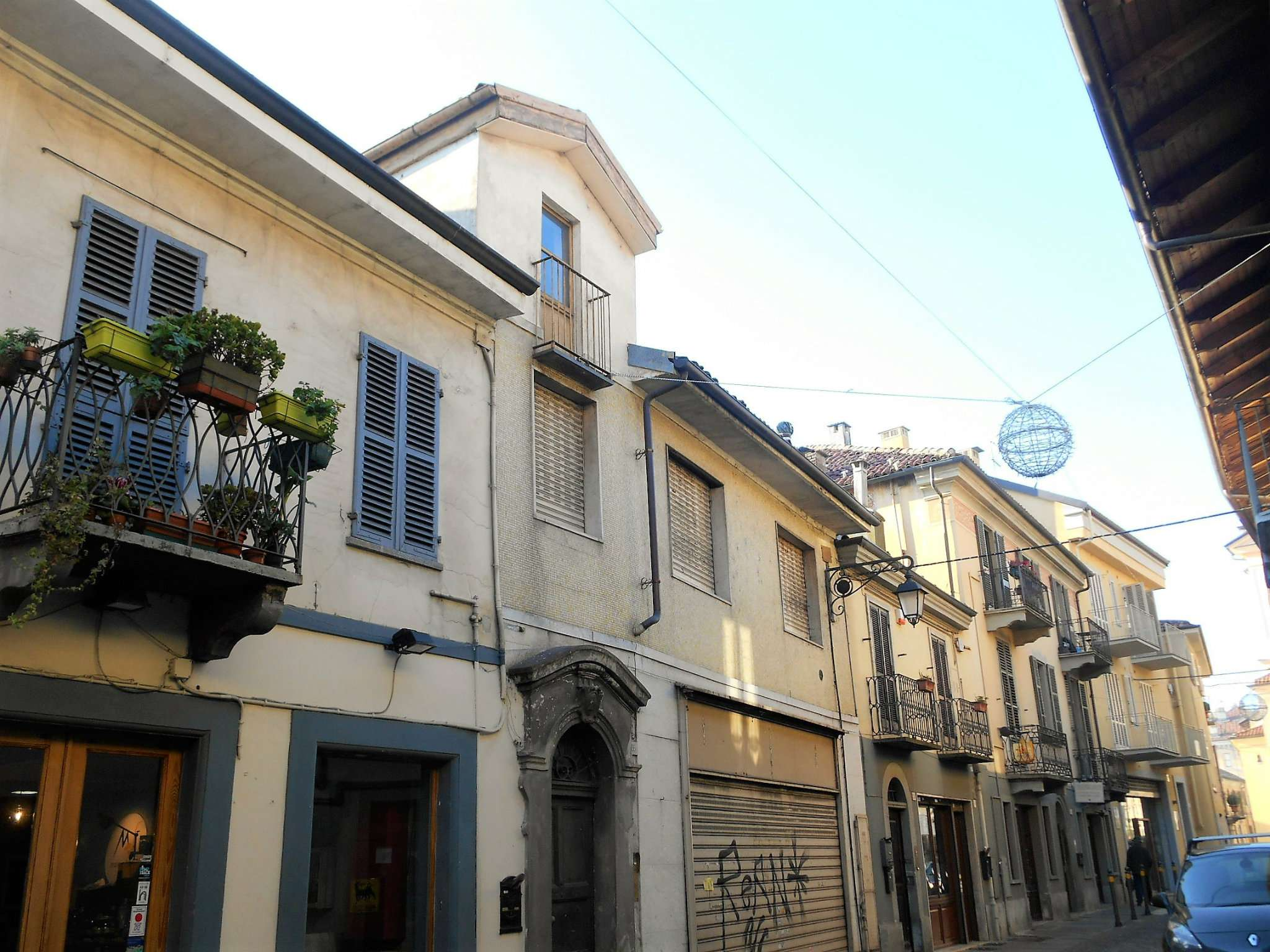 Soluzione Indipendente in vendita a Moncalieri, 11 locali, prezzo € 320.000 | CambioCasa.it
