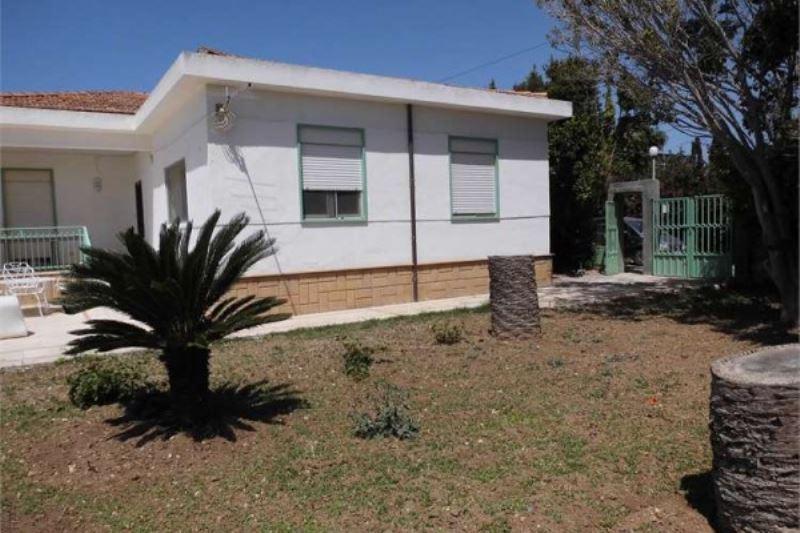 Villa in vendita a Porto Empedocle, 5 locali, prezzo € 320.000 | Cambiocasa.it