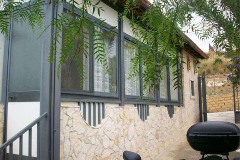 Villa in vendita a Porto Empedocle, 6 locali, prezzo € 295.000 | Cambiocasa.it
