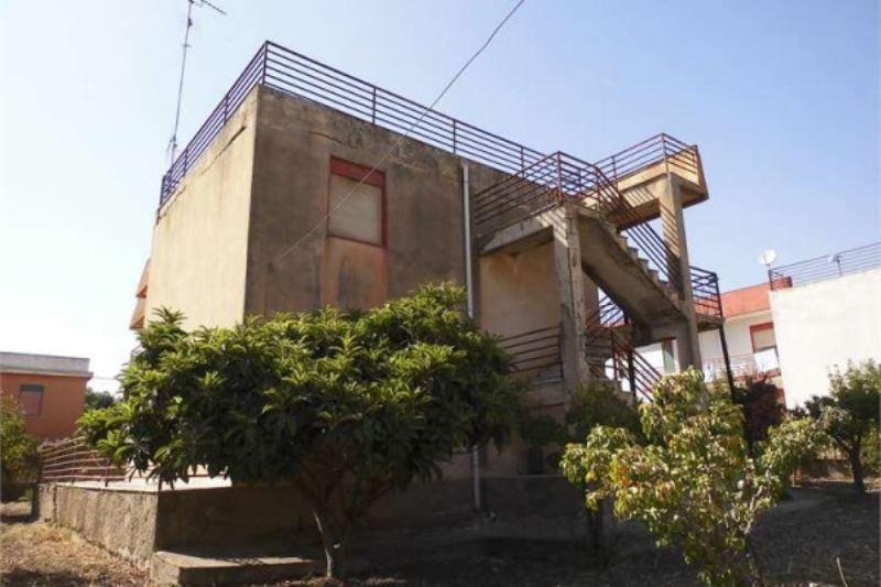 Villa in vendita a Porto Empedocle, 5 locali, prezzo € 185.000 | Cambiocasa.it