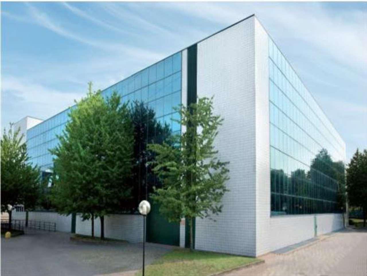 Ufficio / Studio in affitto a Vimodrone, 5 locali, prezzo € 7.900 | Cambio Casa.it