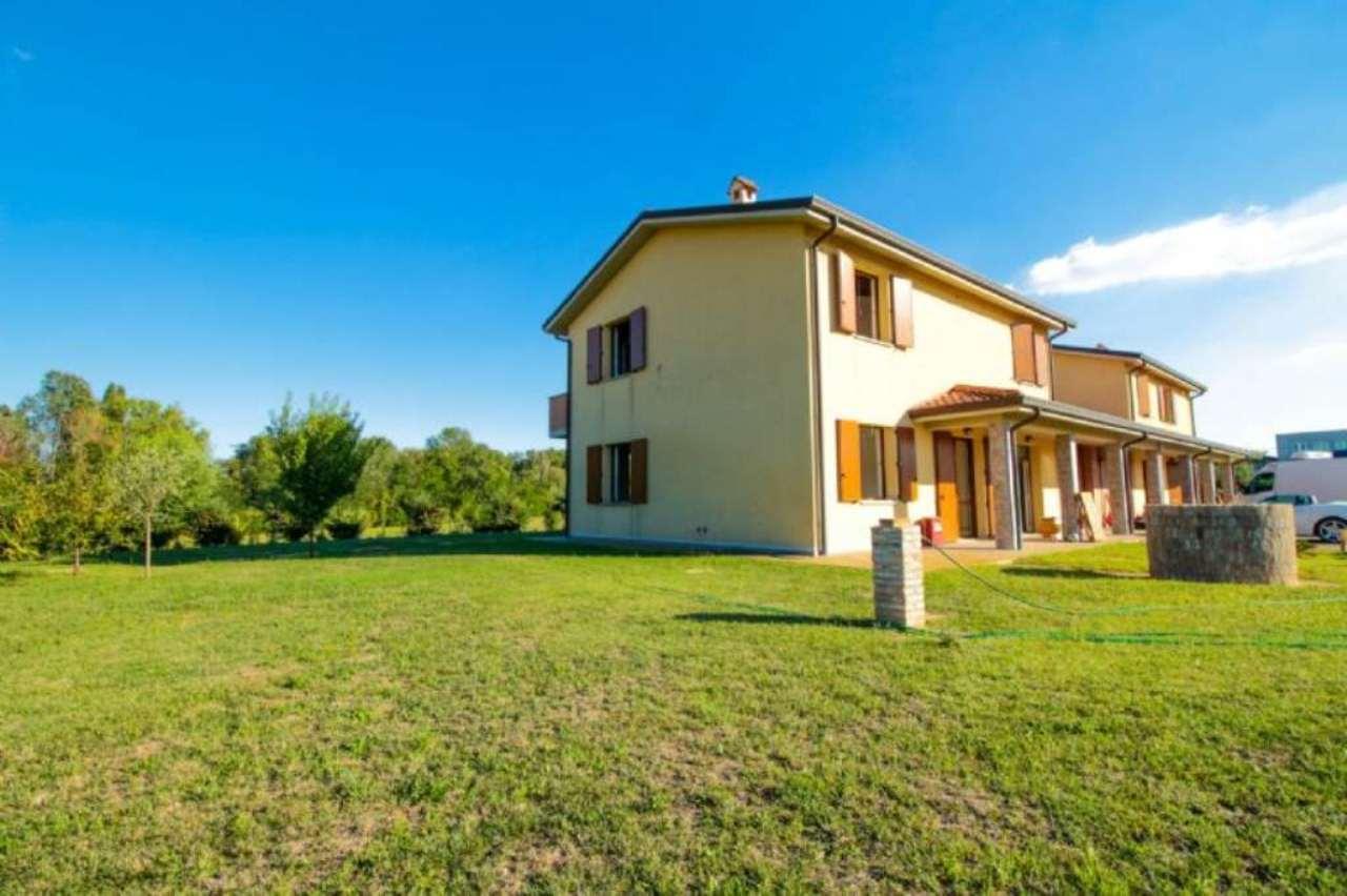 Villa in Vendita a Castenaso