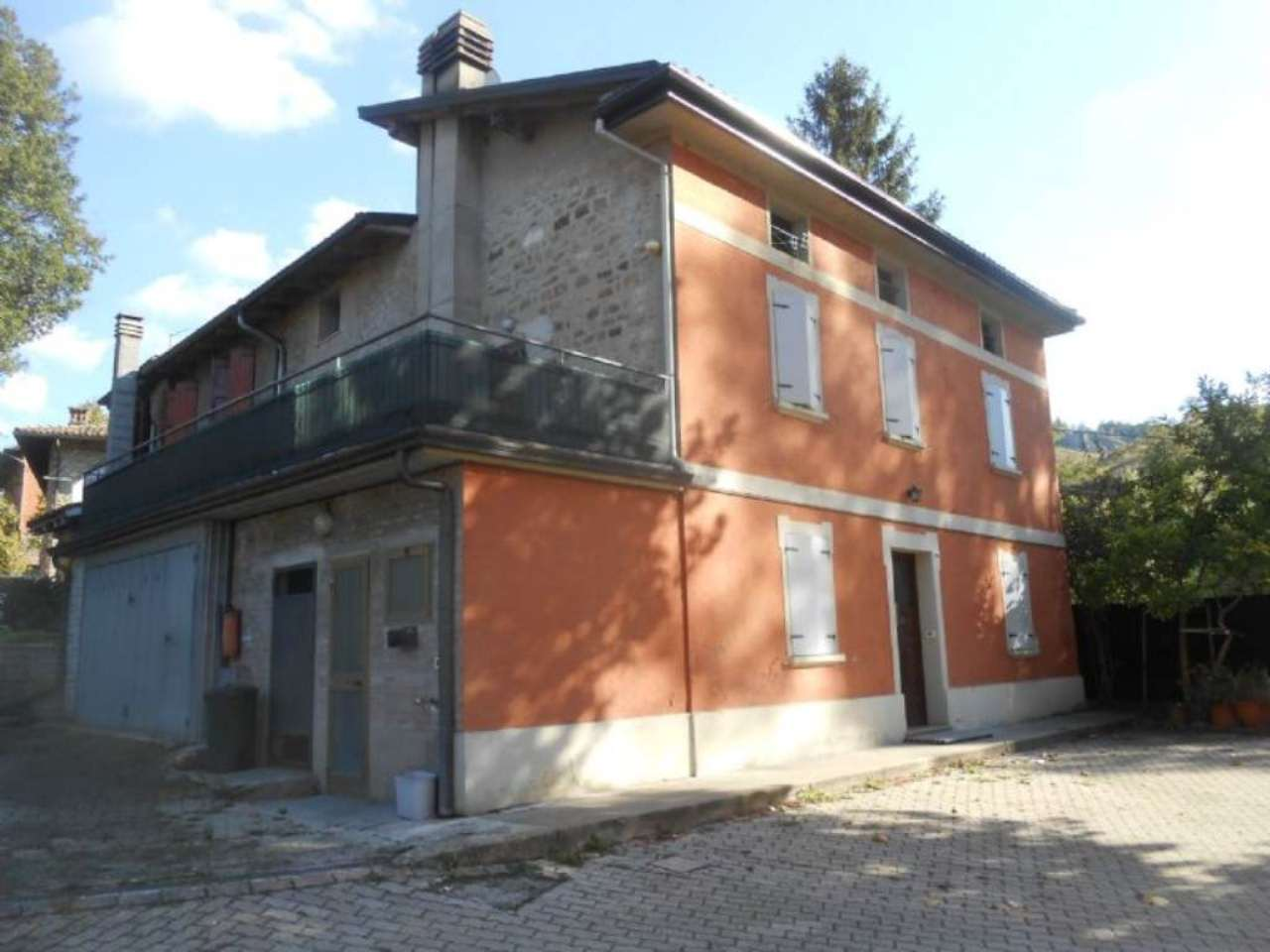 Rustico / Casale in Vendita a Monte San Pietro