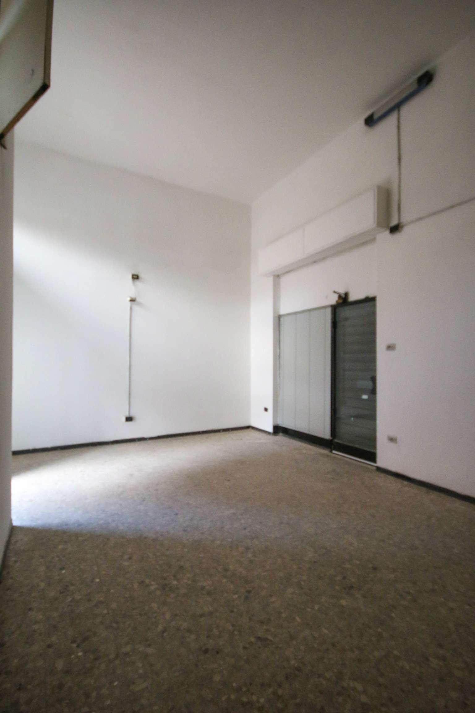 Negozio / Locale in vendita a Bologna, 1 locali, zona Zona: 7 . Savena, Mazzini, Fossolo, Bellaria, prezzo € 41.000 | Cambio Casa.it