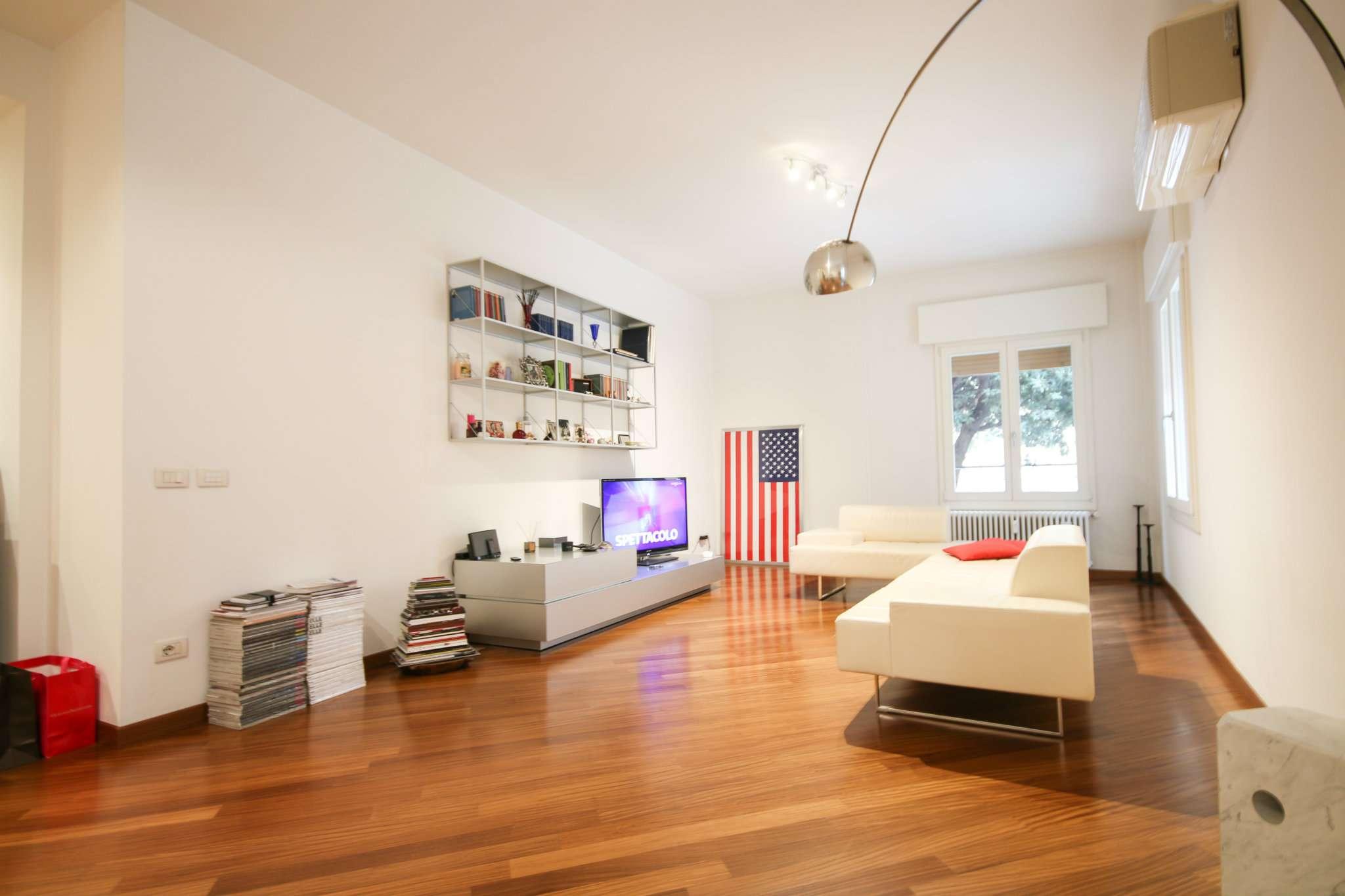 Appartamento in affitto a Bologna, 5 locali, zona Zona: 1 . Centro Storico, prezzo € 1.750   Cambio Casa.it