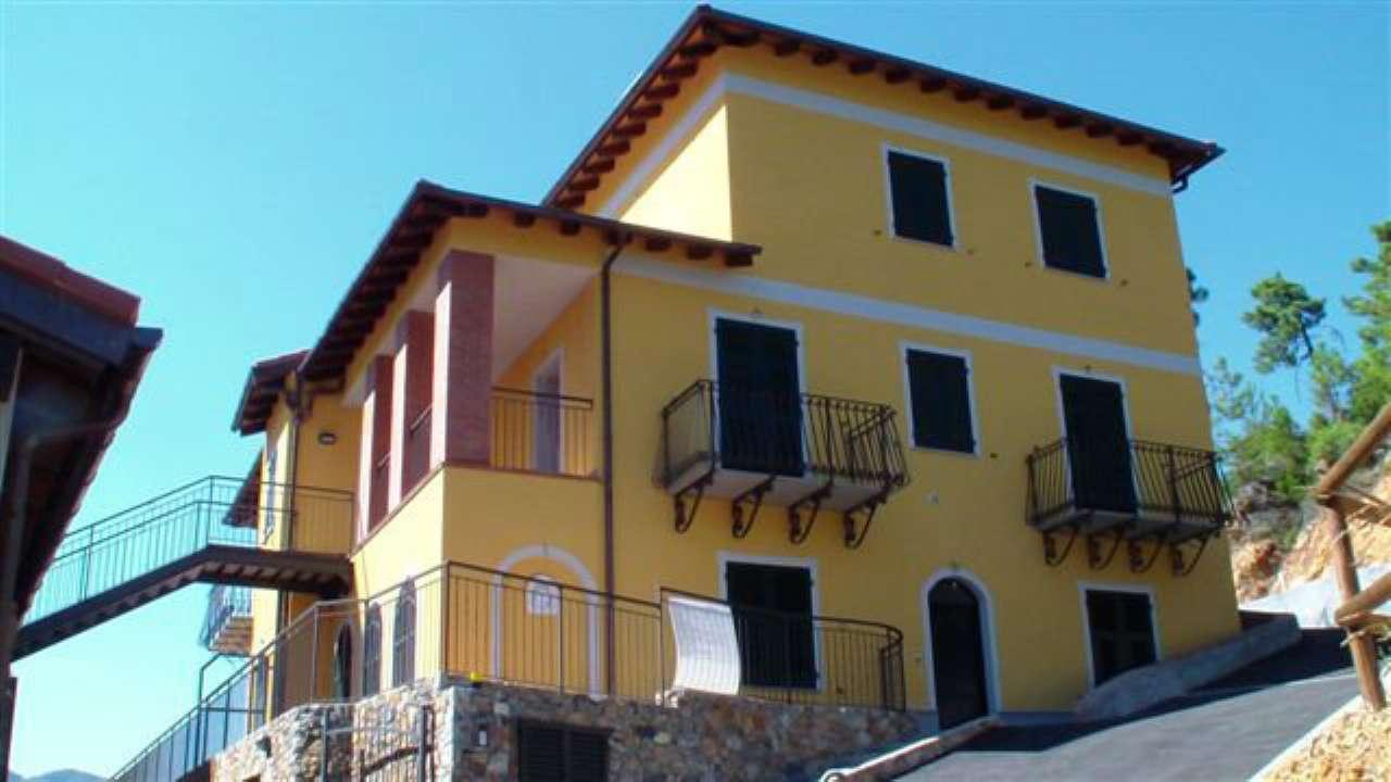 Appartamento in vendita a Garlenda, 6 locali, prezzo € 149.000   Cambio Casa.it