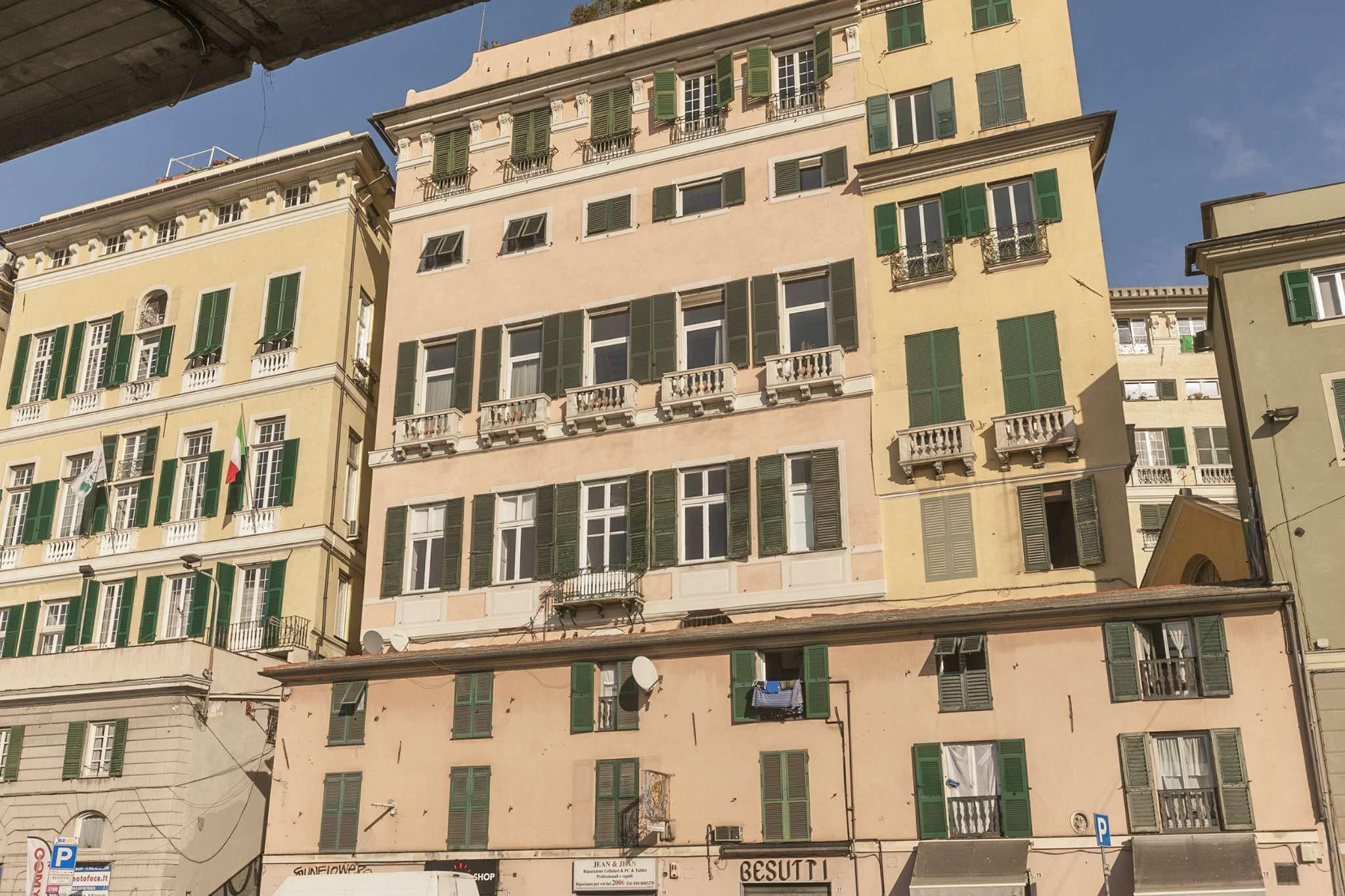 Foto 4 di Loft piazza san marcellino 2, Genova (zona Centro, Centro Storico)
