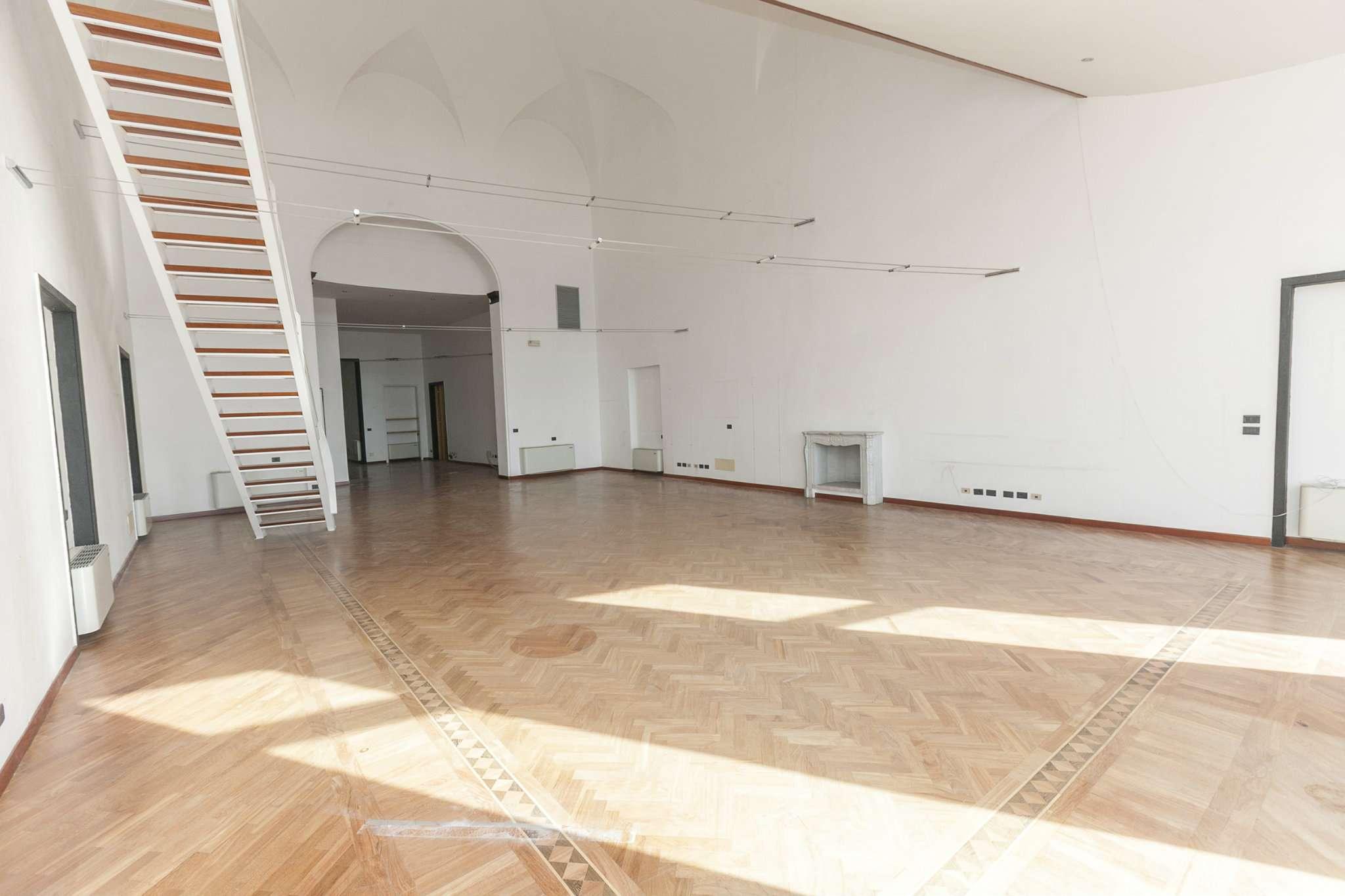 Foto 16 di Loft piazza san marcellino 2, Genova (zona Centro, Centro Storico)