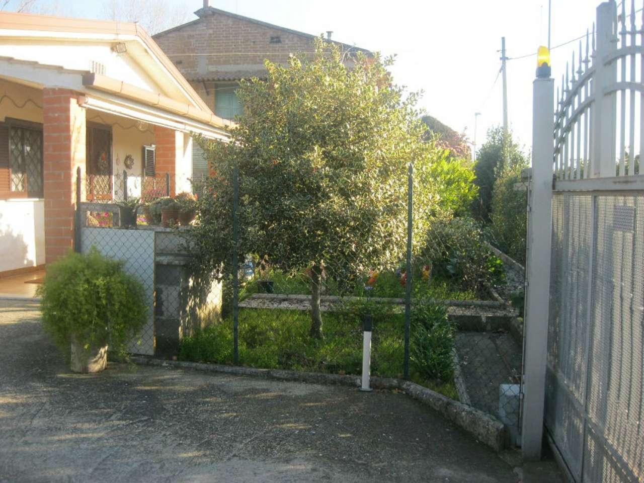 Villa in vendita a Capena, 4 locali, prezzo € 170.000 | Cambio Casa.it