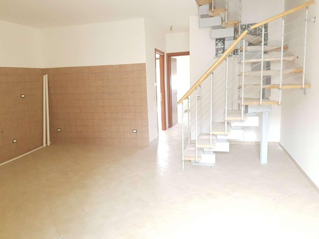 Appartamento in vendita a Capena, 4 locali, prezzo € 99.000 | Cambio Casa.it