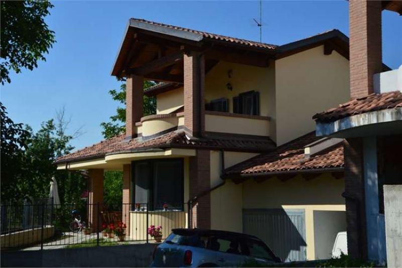 Villa in vendita a Lauriano, 5 locali, prezzo € 239.000 | Cambio Casa.it