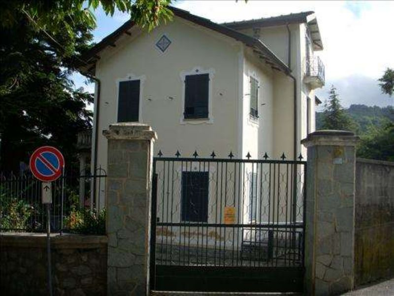 Villa in vendita a Coazze, 7 locali, prezzo € 390.000 | Cambio Casa.it