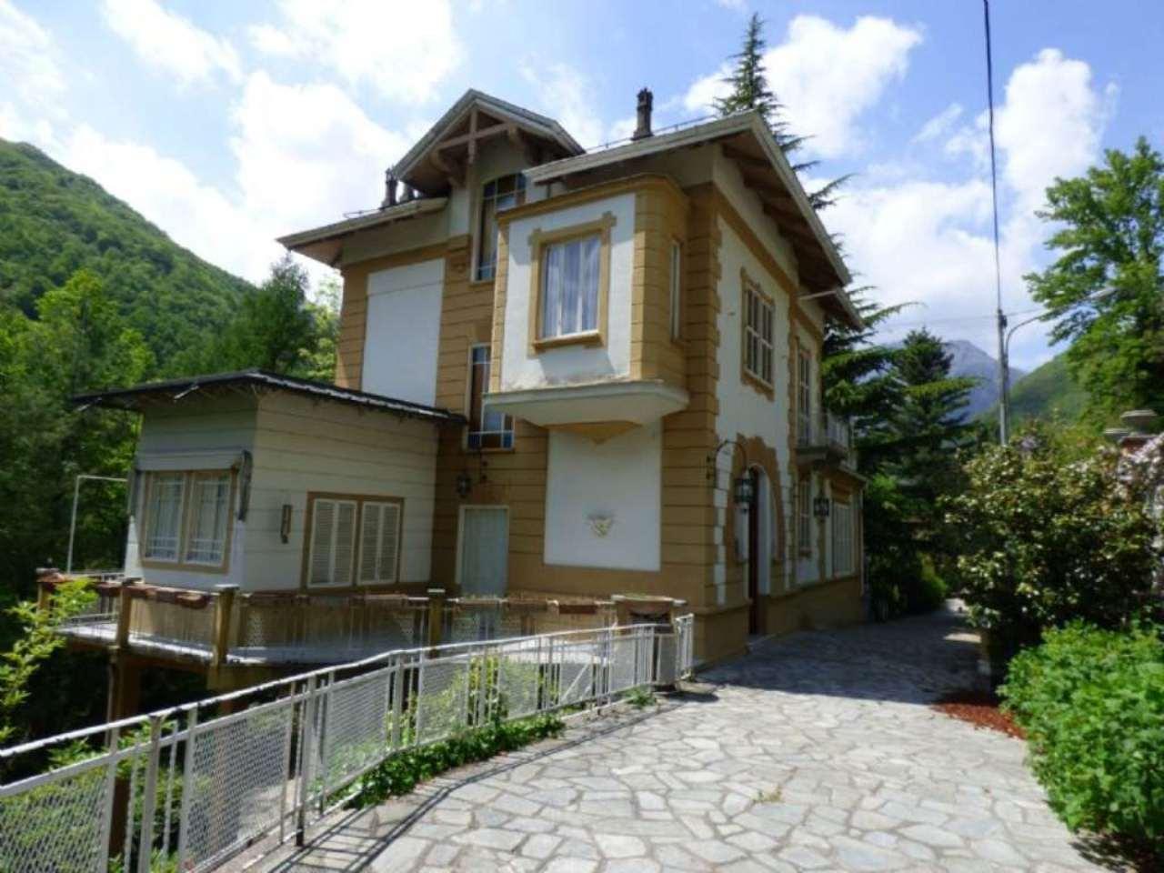 Villa in vendita a Ceres, 14 locali, prezzo € 470.000 | CambioCasa.it