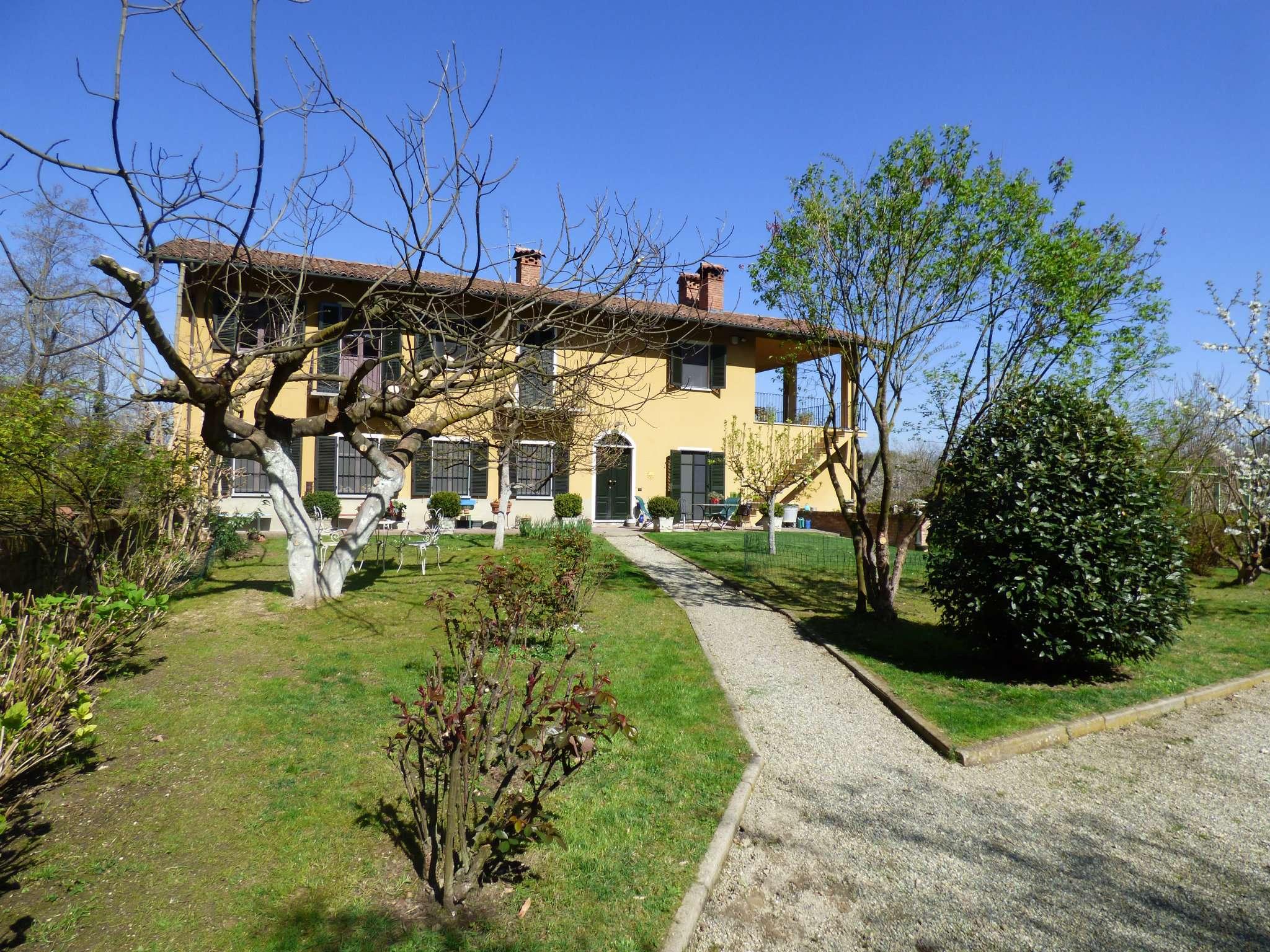 Rustico / Casale in vendita a Soglio, 7 locali, prezzo € 280.000 | CambioCasa.it