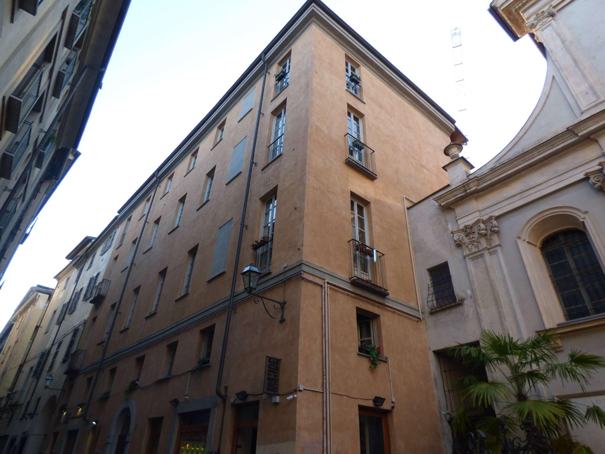 Appartamento in affitto a Torino, 4 locali, zona Zona: 1 . Centro, Quadrilatero Romano, Repubblica, Giardini Reali, prezzo € 900 | Cambio Casa.it