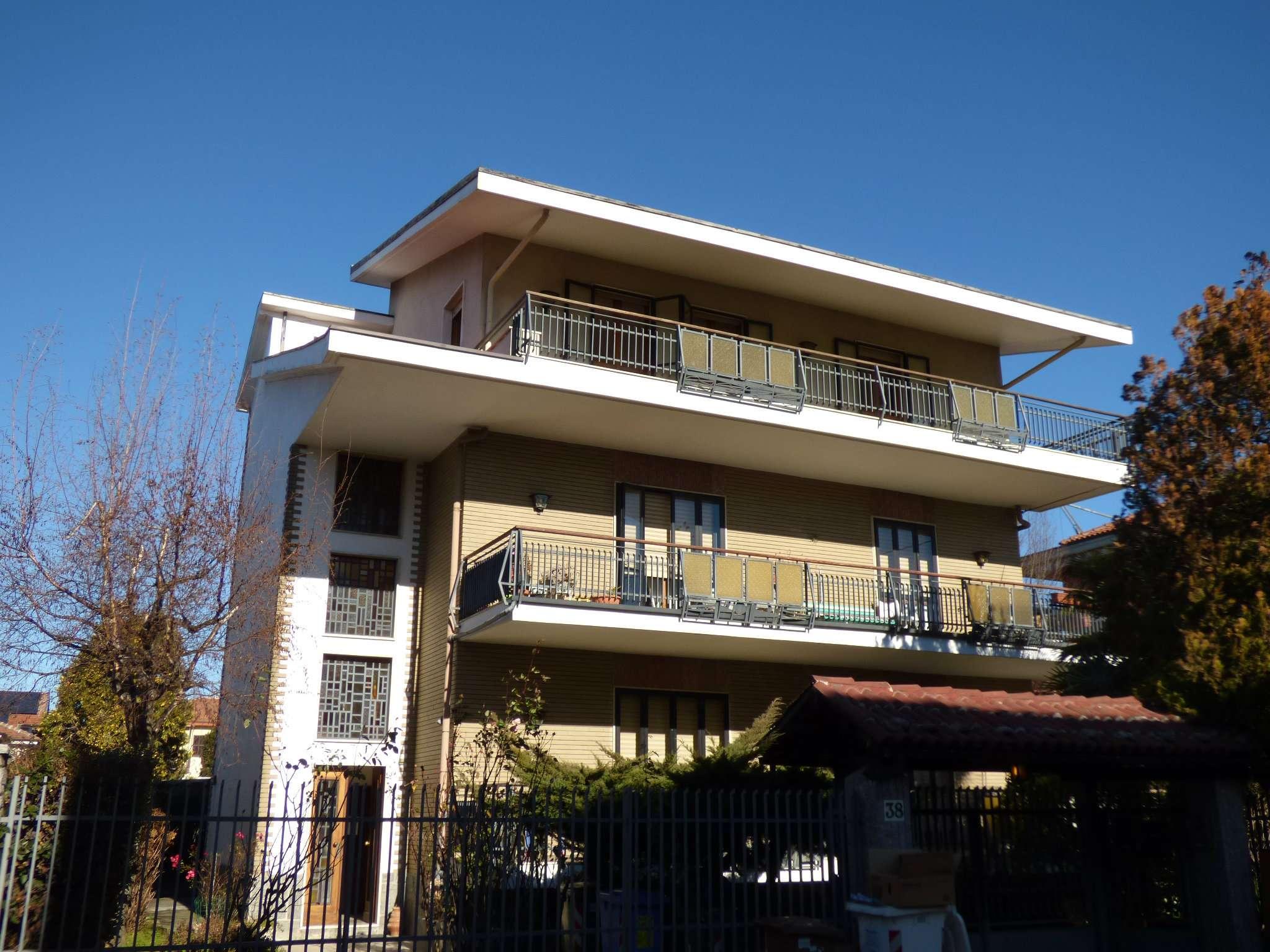 Appartamento in vendita via Sestriere 38 Collegno