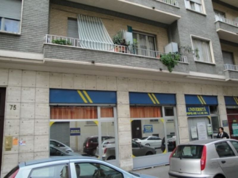 Negozio in vendita Zona Cit Turin, San Donato, Campidoglio - via Principessa Clotilde 77 Torino