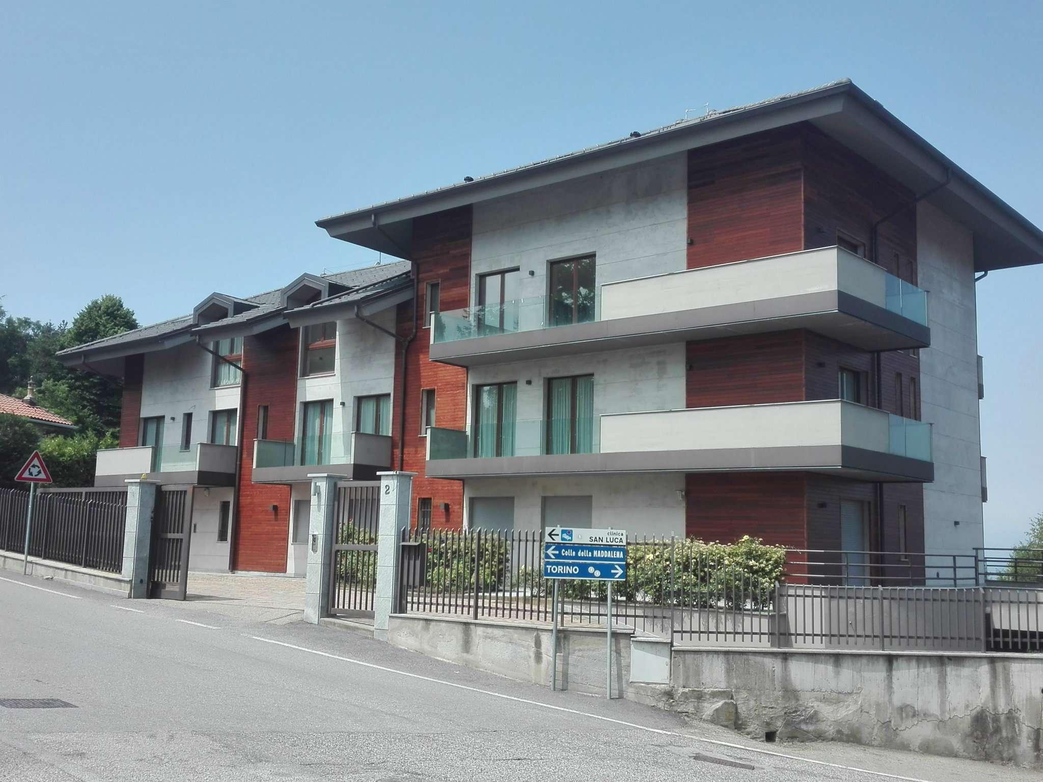 Foto 1 di Trilocale strada del colle, Pecetto Torinese