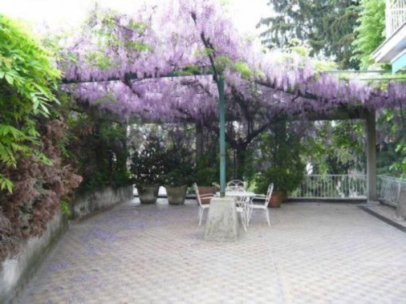 Villa in vendita a Castellanza, 5 locali, prezzo € 600.000 | Cambio Casa.it
