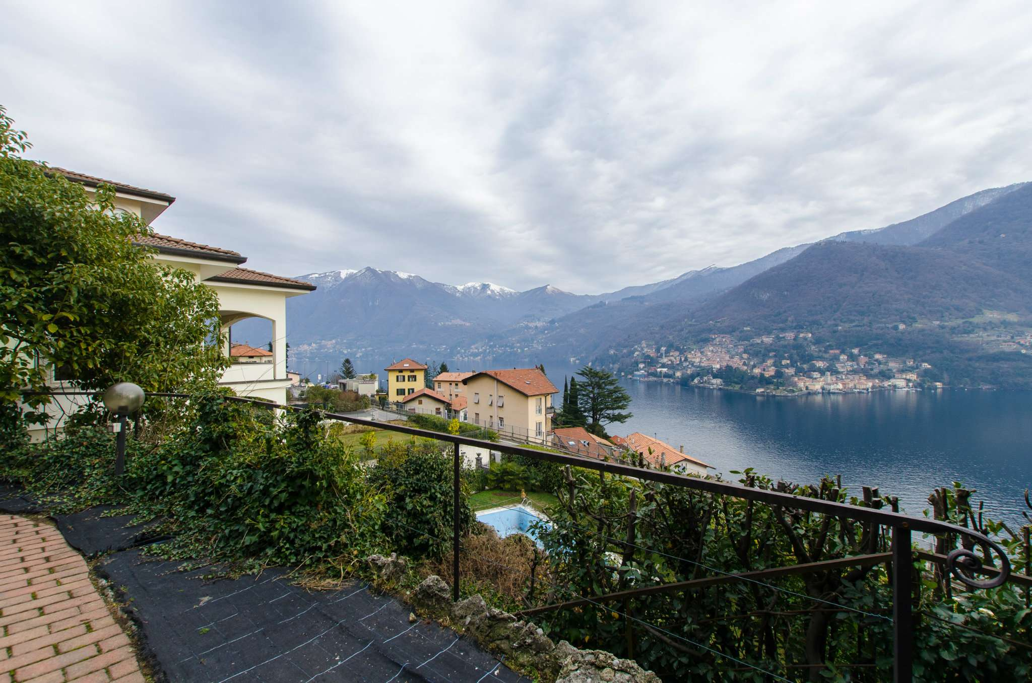Attico / Mansarda in vendita a Moltrasio, 2 locali, prezzo € 550.000 | Cambio Casa.it