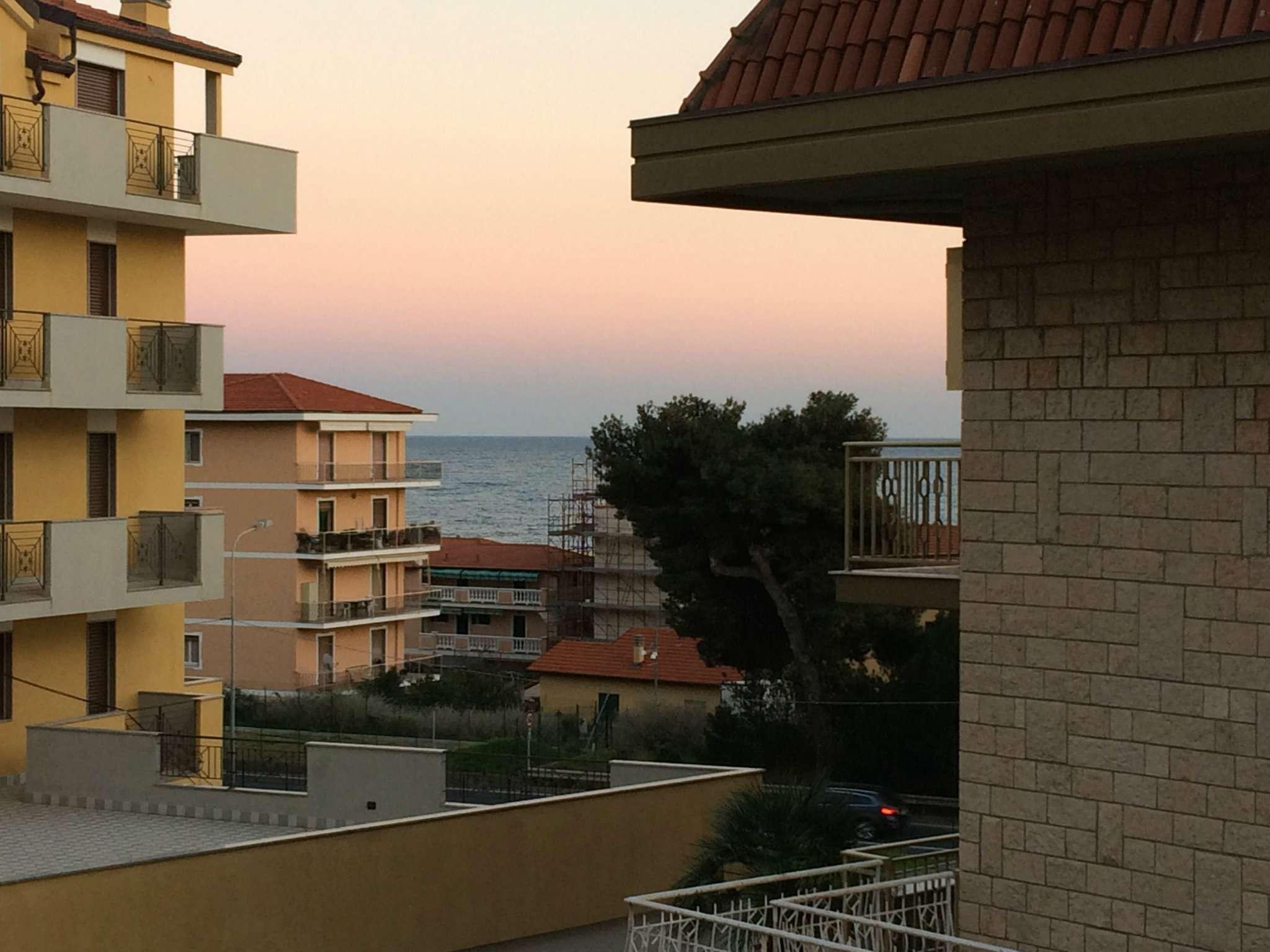 Appartamento in vendita a Riva Ligure, 3 locali, prezzo € 220.000 | CambioCasa.it