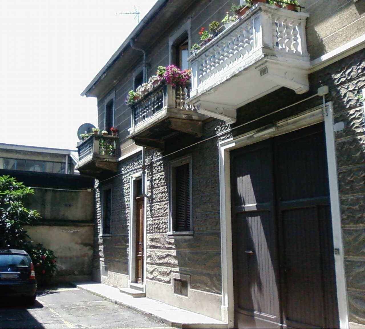 Foto 1 di Bilocale via Michele Lessona 3/6, Torino (zona Cit Turin, San Donato, Campidoglio)