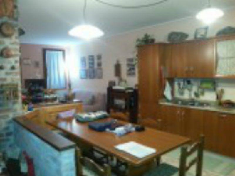 Soluzione Indipendente in vendita a Piazzola sul Brenta, 4 locali, prezzo € 200.000 | Cambio Casa.it