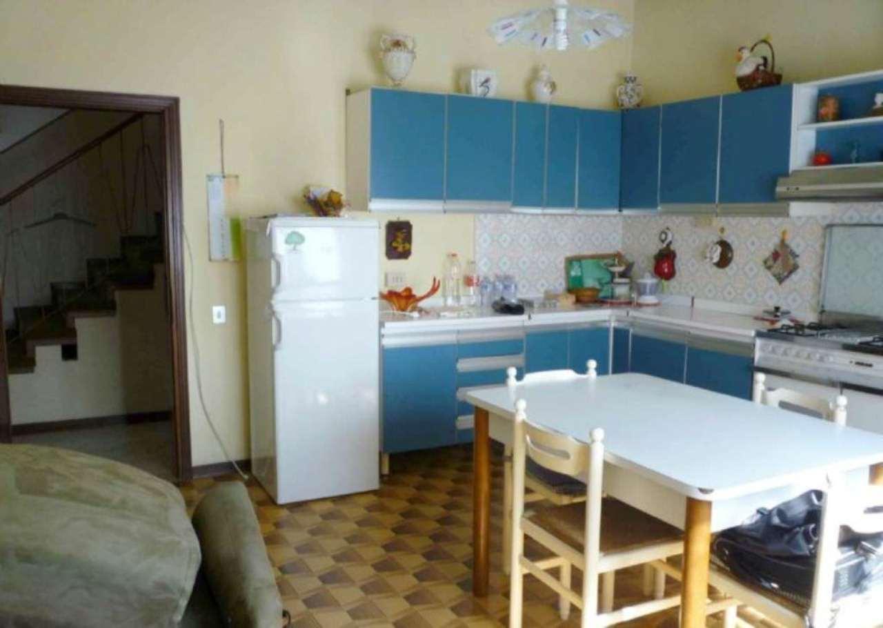 Soluzione Semindipendente in vendita a Vigonovo, 5 locali, prezzo € 140.000 | Cambio Casa.it