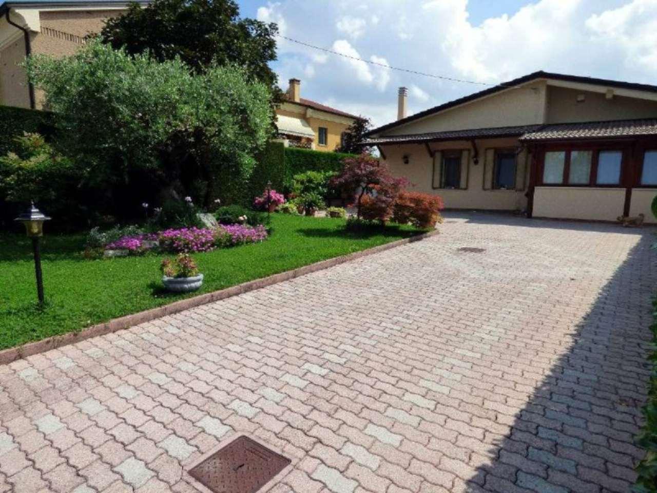 Soluzione Indipendente in vendita a Brugine, 6 locali, prezzo € 180.000 | Cambio Casa.it