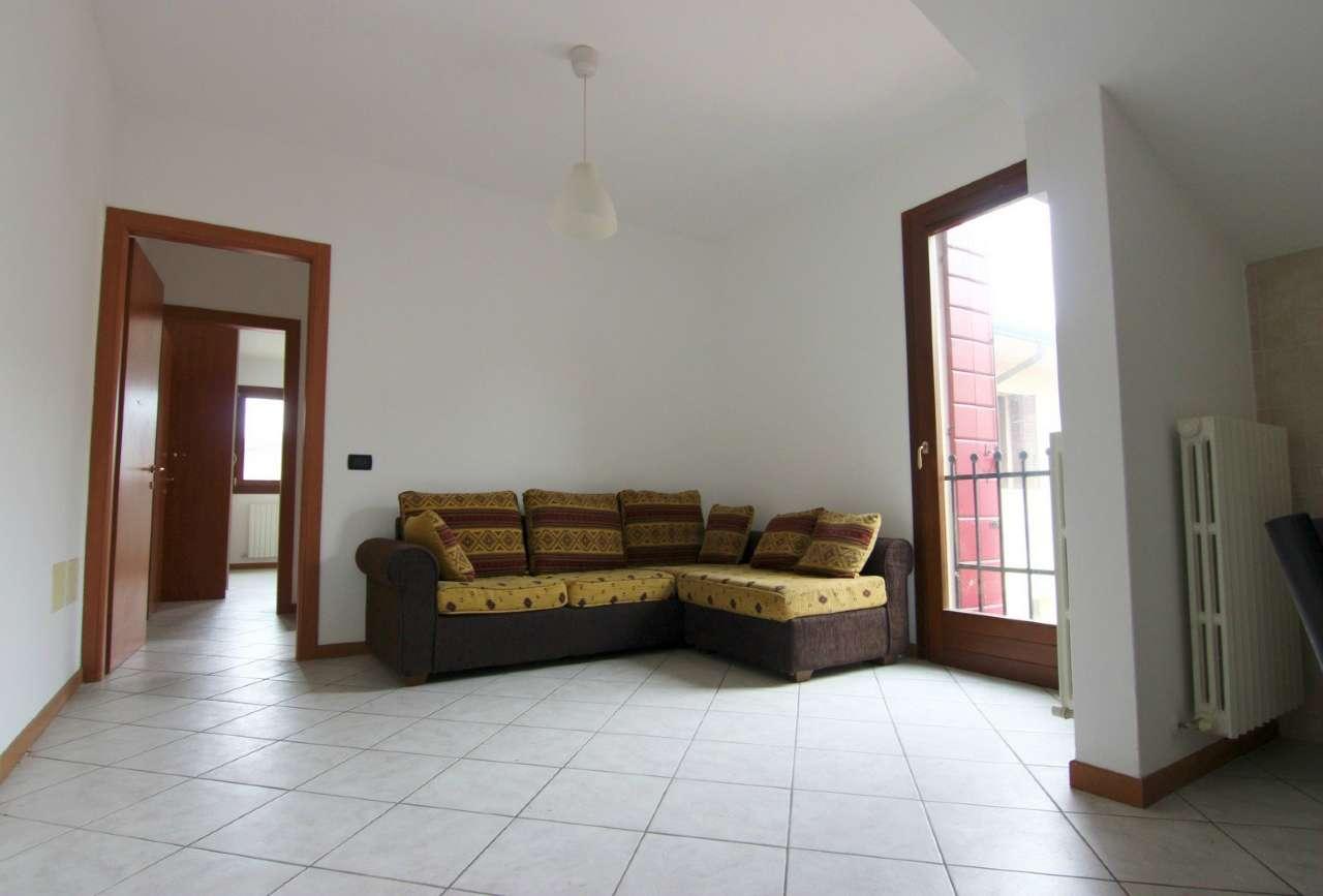 Appartamento in affitto a Vigonovo, 2 locali, prezzo € 350 | Cambio Casa.it
