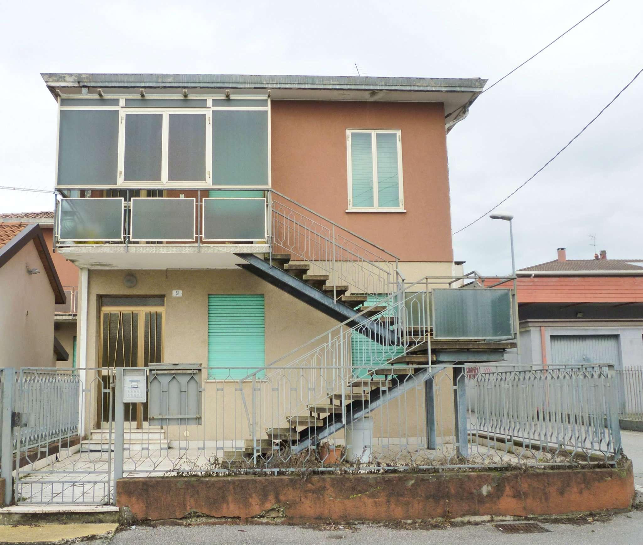 Soluzione Indipendente in vendita a Vigonovo, 6 locali, prezzo € 90.000   Cambio Casa.it