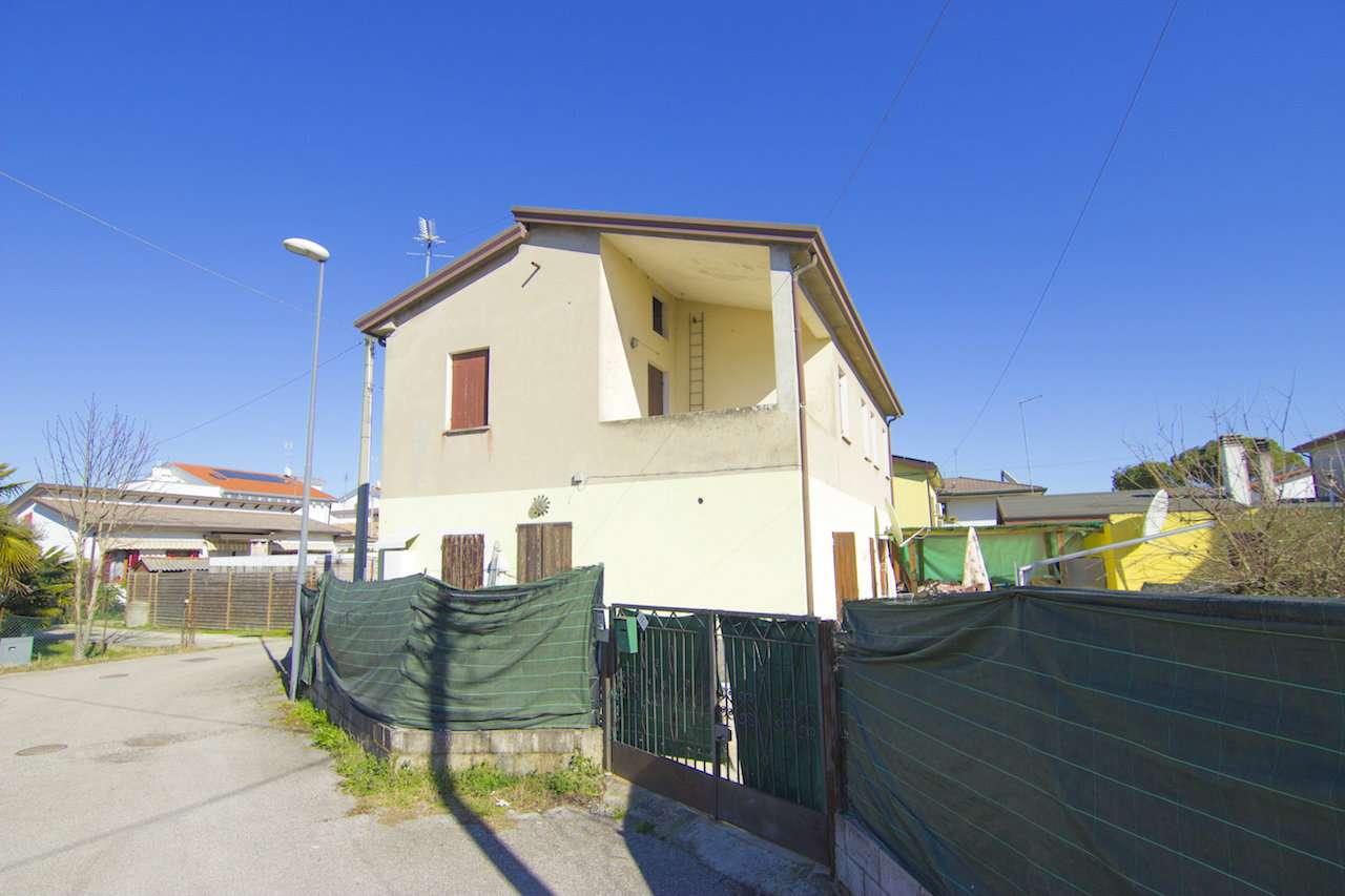 Appartamento in vendita a Vigonovo, 4 locali, prezzo € 115.000 | Cambio Casa.it