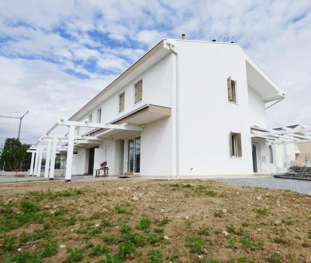Soluzione Indipendente in vendita a Legnaro, 4 locali, prezzo € 160.000 | CambioCasa.it