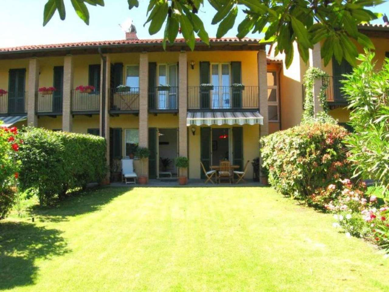 Villa a Schiera in vendita a Lesa, 3 locali, prezzo € 285.000 | Cambio Casa.it