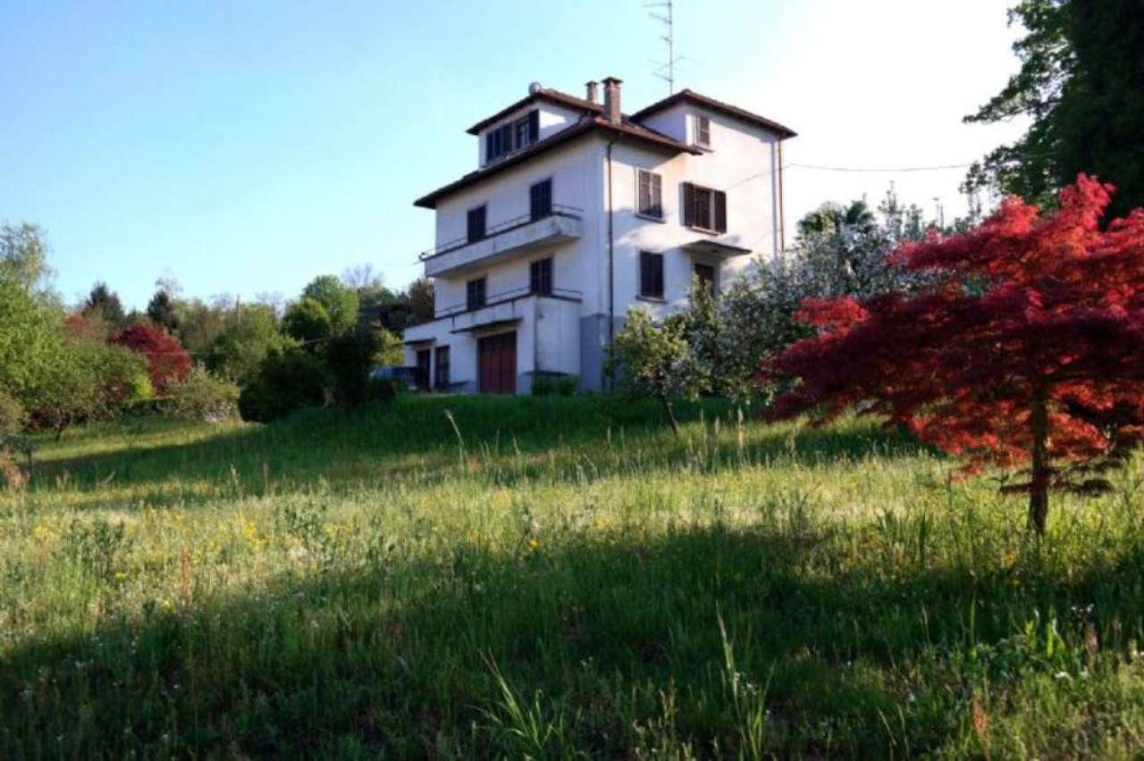 Soluzione Indipendente in vendita a Arona, 10 locali, prezzo € 500.000 | Cambio Casa.it