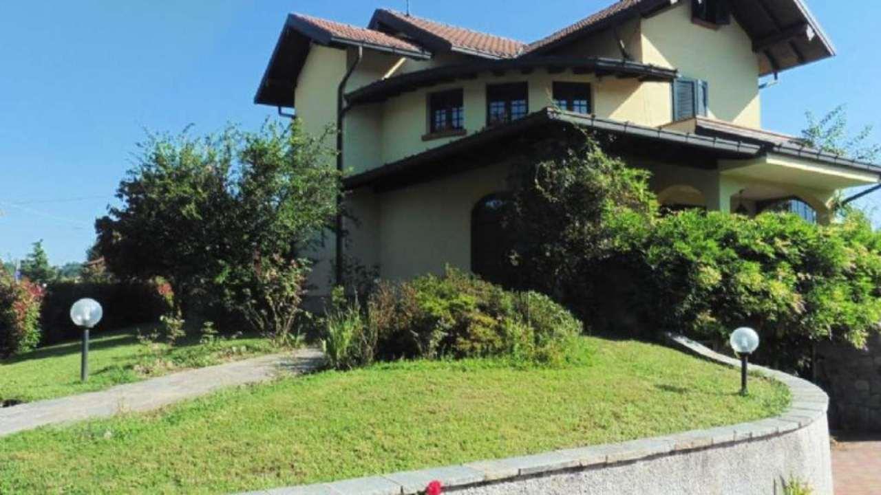 Villa in vendita a Comignago, 5 locali, prezzo € 320.000 | Cambio Casa.it