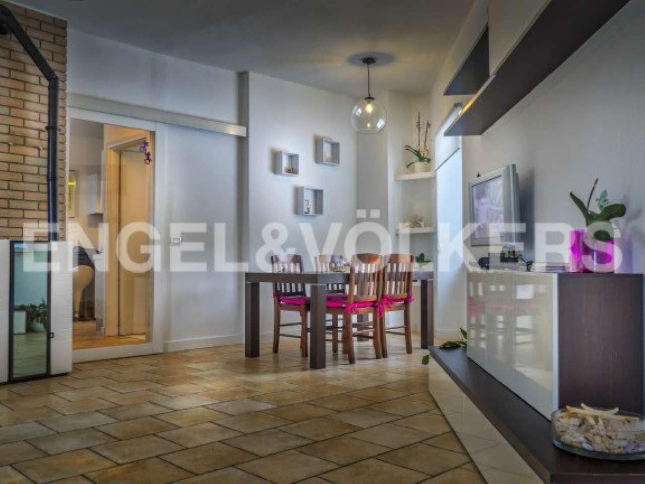 Villa in vendita a Meina, 3 locali, prezzo € 285.000 | Cambio Casa.it