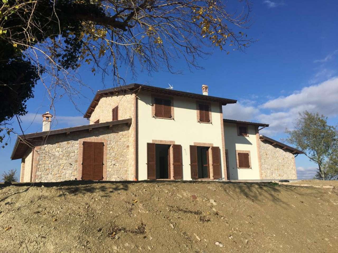Villa in vendita a Collazzone, 10 locali, prezzo € 600.000 | CambioCasa.it