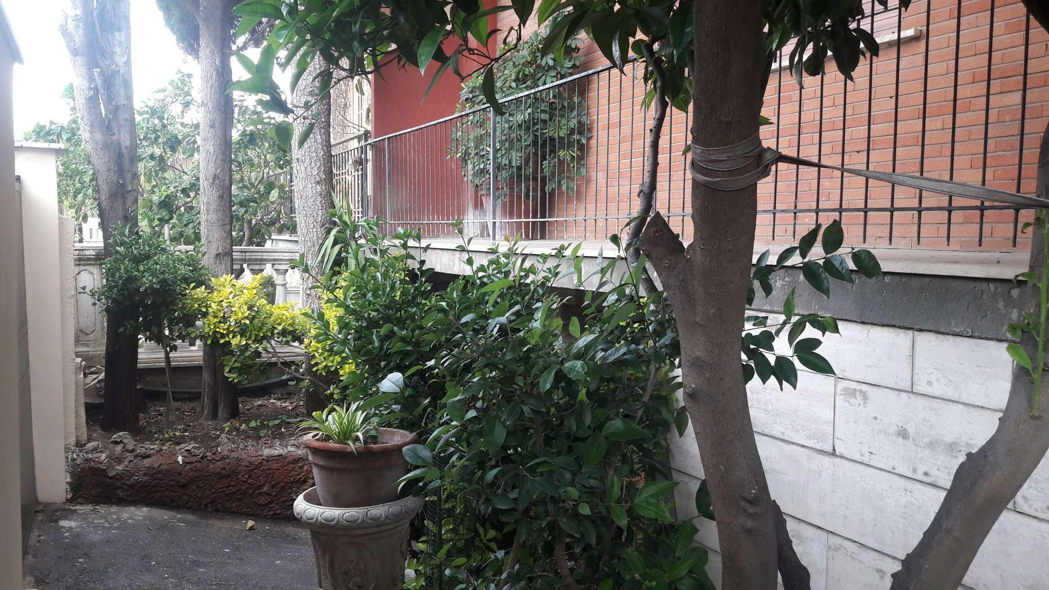 5 locali in affitto a Roma in Via Eugenio Cisterna