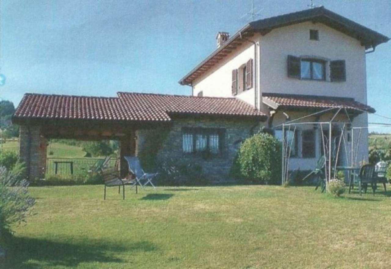 Villa in vendita a Dernice, 4 locali, prezzo € 240.000 | Cambio Casa.it