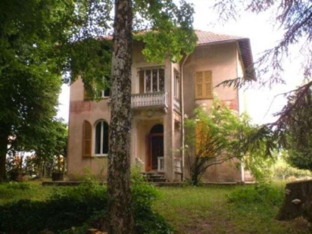 Villa in vendita a Torriglia, 6 locali, prezzo € 380.000 | Cambio Casa.it