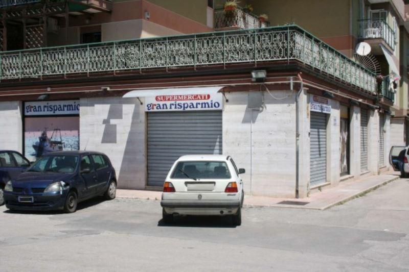 Negozio / Locale in vendita a Bisceglie, 5 locali, prezzo € 230.000 | Cambio Casa.it