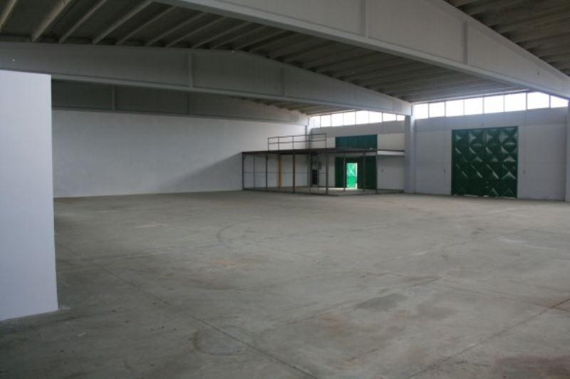Capannone in vendita a Bisceglie, 1 locali, prezzo € 400.000 | Cambio Casa.it