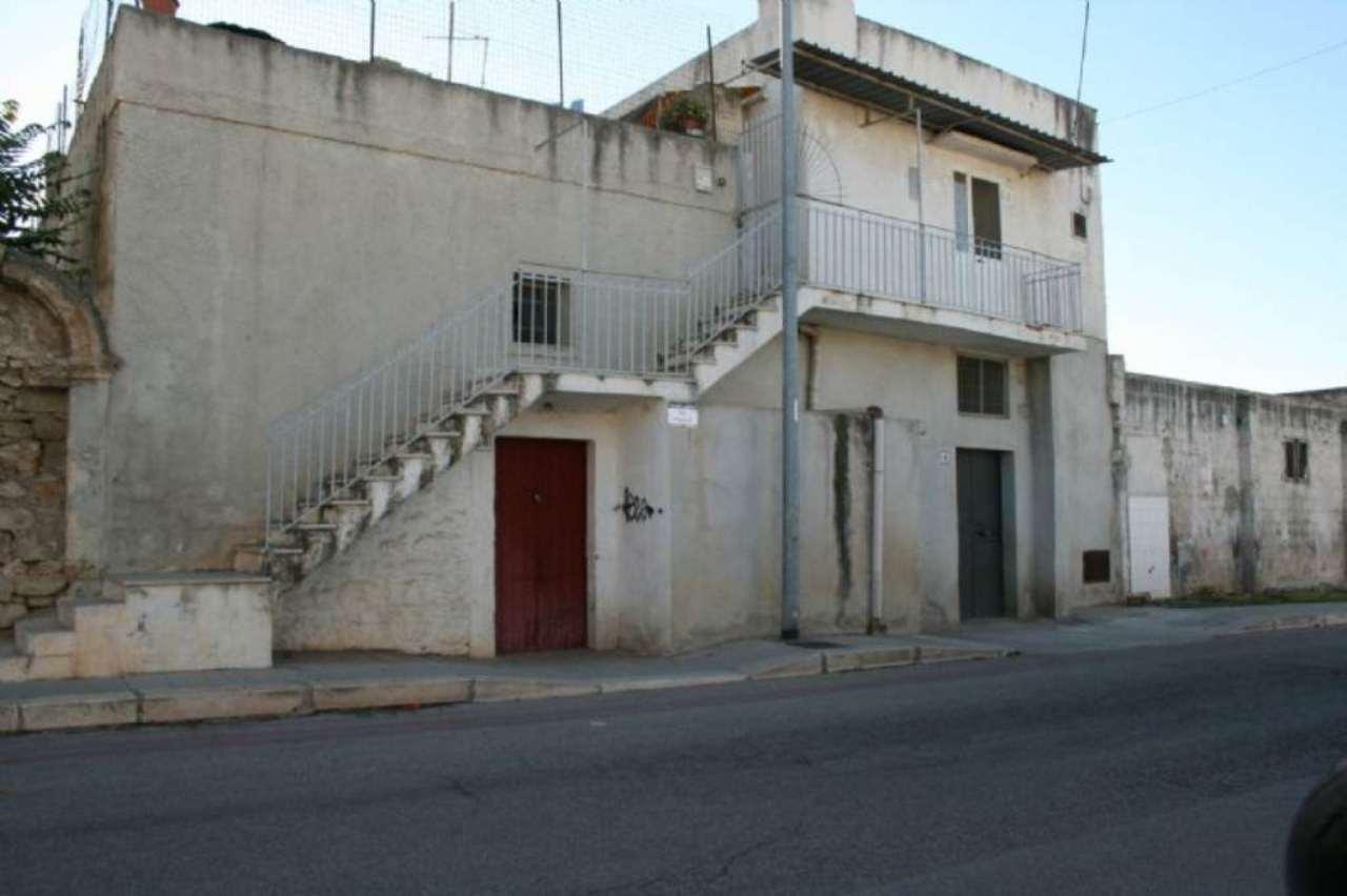 Palazzo / Stabile in vendita a Bisceglie, 3 locali, prezzo € 120.000 | Cambio Casa.it