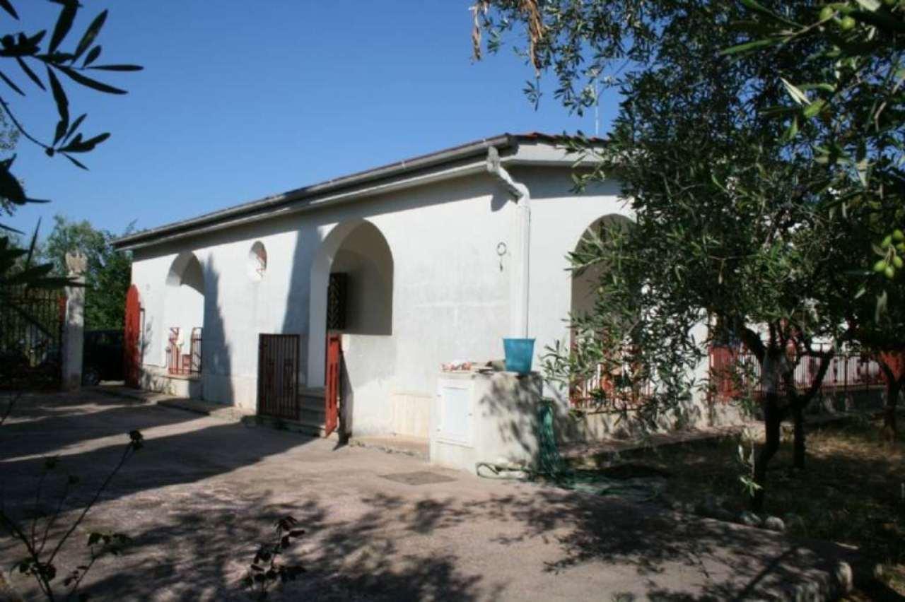 Villa in vendita a Bisceglie, 3 locali, prezzo € 160.000   Cambio Casa.it
