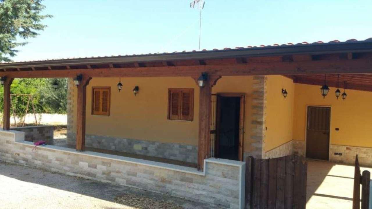 Villa in vendita a Bisceglie, 2 locali, prezzo € 150.000 | Cambio Casa.it