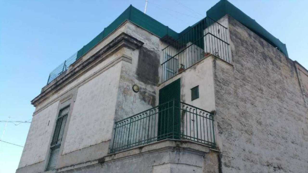 Palazzo / Stabile in vendita a Bisceglie, 5 locali, prezzo € 150.000 | Cambio Casa.it