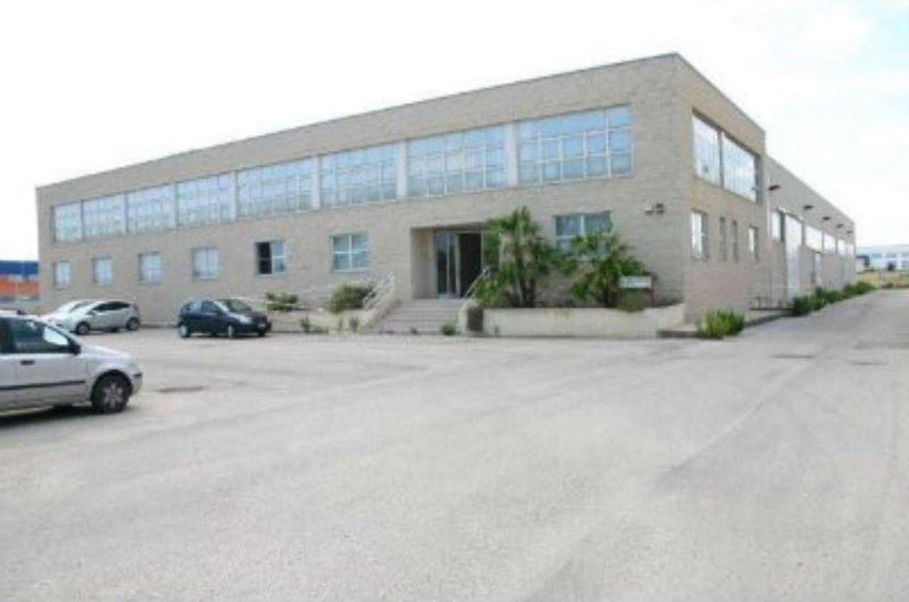 Capannone in vendita a Bisceglie, 9999 locali, prezzo € 2.900.000 | Cambio Casa.it