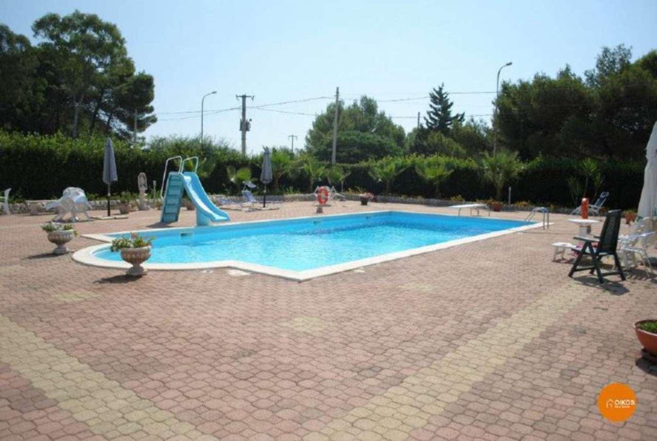 Villa in vendita a Noto, 5 locali, Trattative riservate | Cambio Casa.it