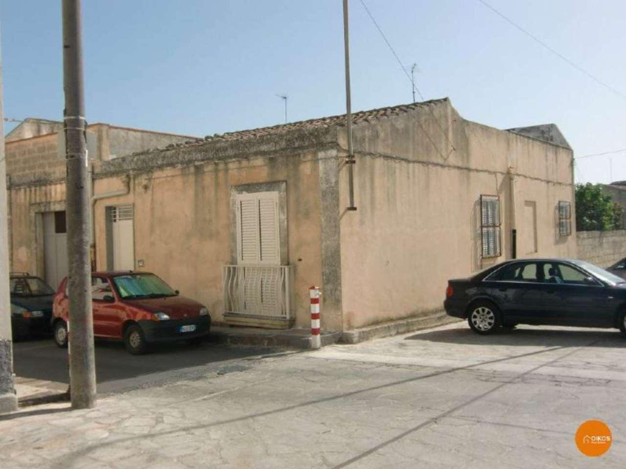 Soluzione Indipendente in vendita a Noto, 4 locali, prezzo € 190.000 | CambioCasa.it
